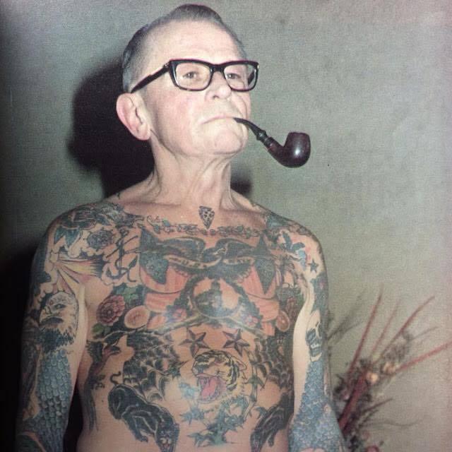 Sick Atitude na Subcultura  Envelheça bem!  http://www.lojasick.com.br  Seja Sick  #usesick #sejasick #tattoo #tatuagem #oldman #oldmantattoo #streetwear #modapic.twitter.com/C0Pg3B9y4a