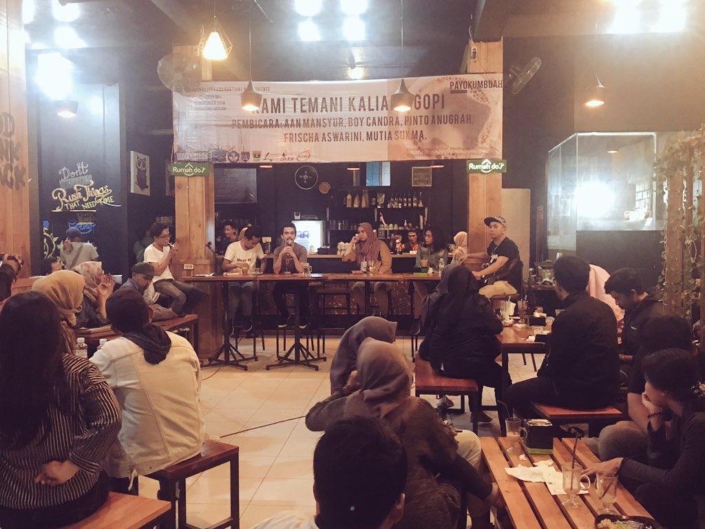 Payokumbuah Literary Festival 2018 sudah dimulai. Masih akan berlangsung hingga 16 november 2018.