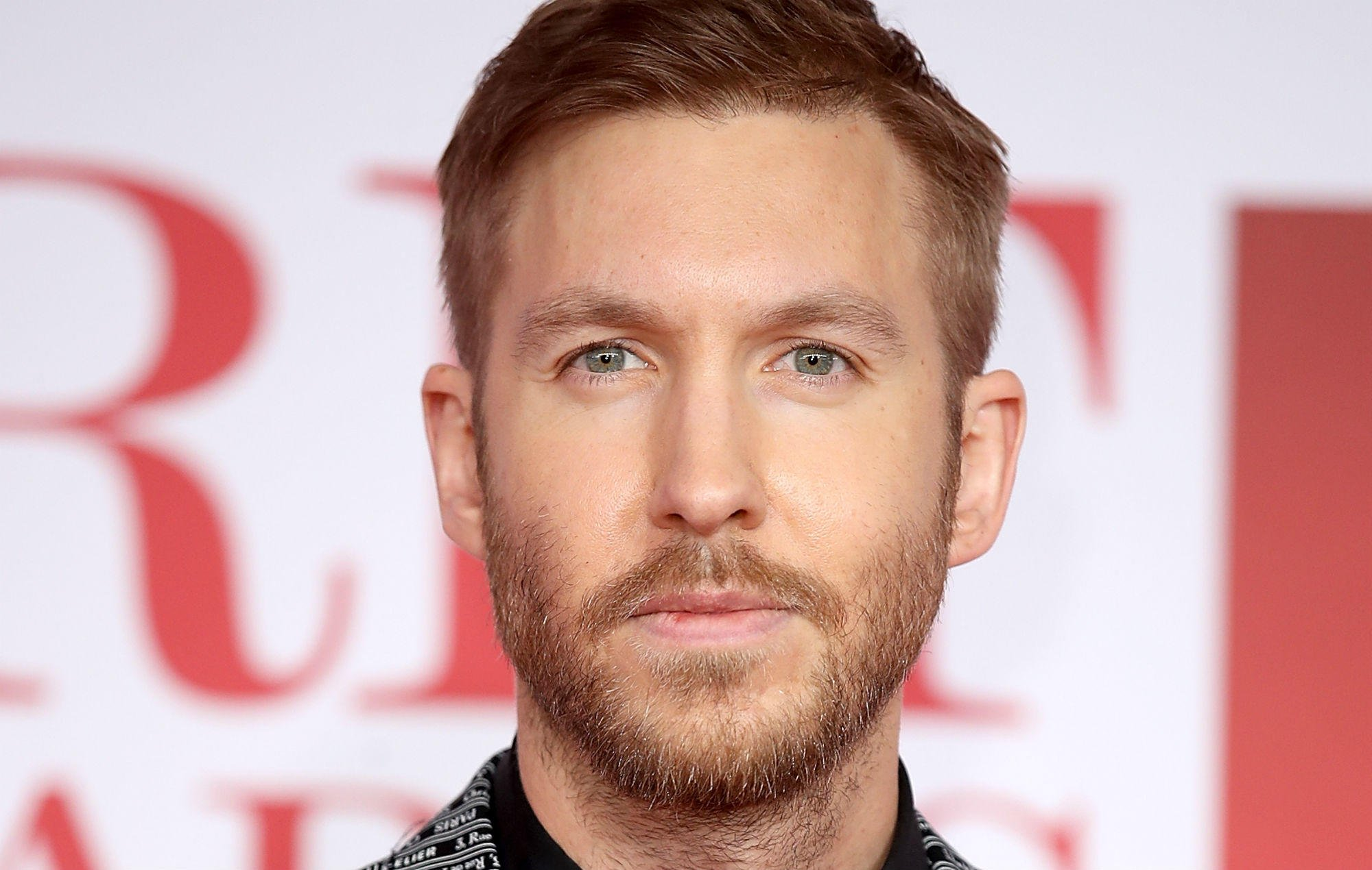 """Calvin Harris says EDM """"doesn't have anything in common with the music I love to make"""" https://t.co/4BlxxZkd5a https://t.co/UwJoDsNFbi"""