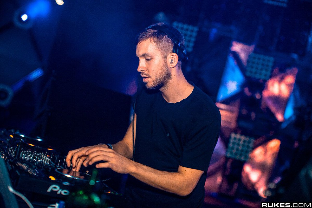 We wouldnt know because @CalvinHarris blocked us but apparently he did a quick Twitter Q+A yesterday where he talked about his old style + finally playing festivals again | 📸: @rukes dncgastrnt.co/hsdz