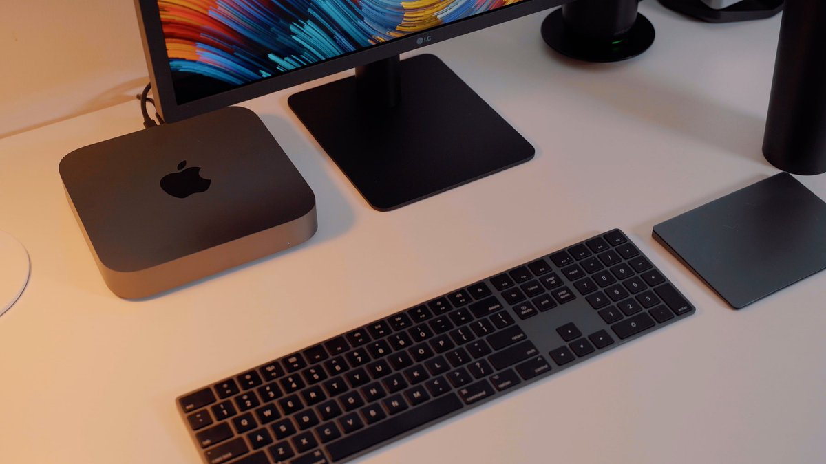 Hands on with new #macmini! #finally #snappier #spacegray   https://t.co/2PGESHGuXk