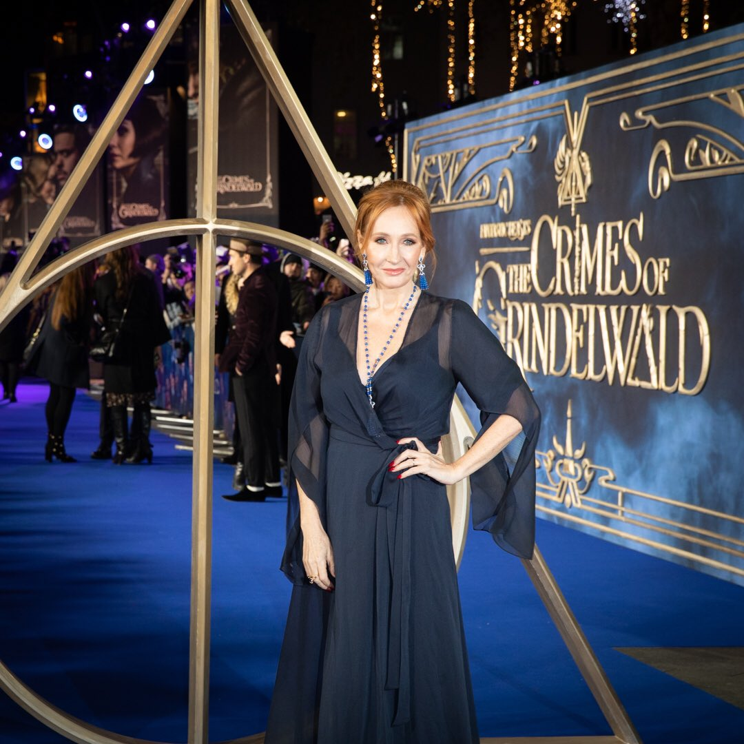 .@jk_rowling at the UK Premiere of #FantasticBeasts: The Crimes of Grindelwald! 💫
