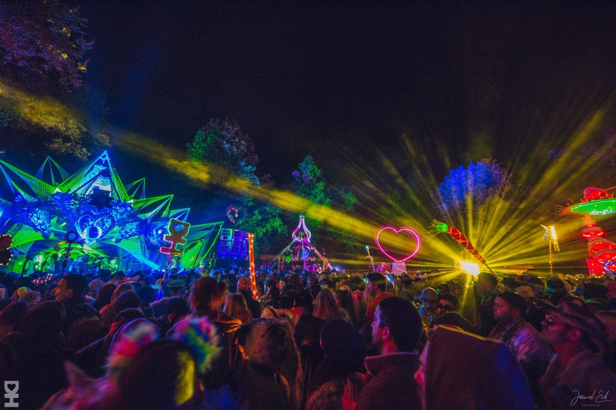 Give your wallet a break this weekend because we teamed up with @DesertHearts to drop 🆓 🎟️ to their show in Brooklyn with Doc Martin, @MikeyLion_, @Porky_DH + more dncgastrnt.co/dsht