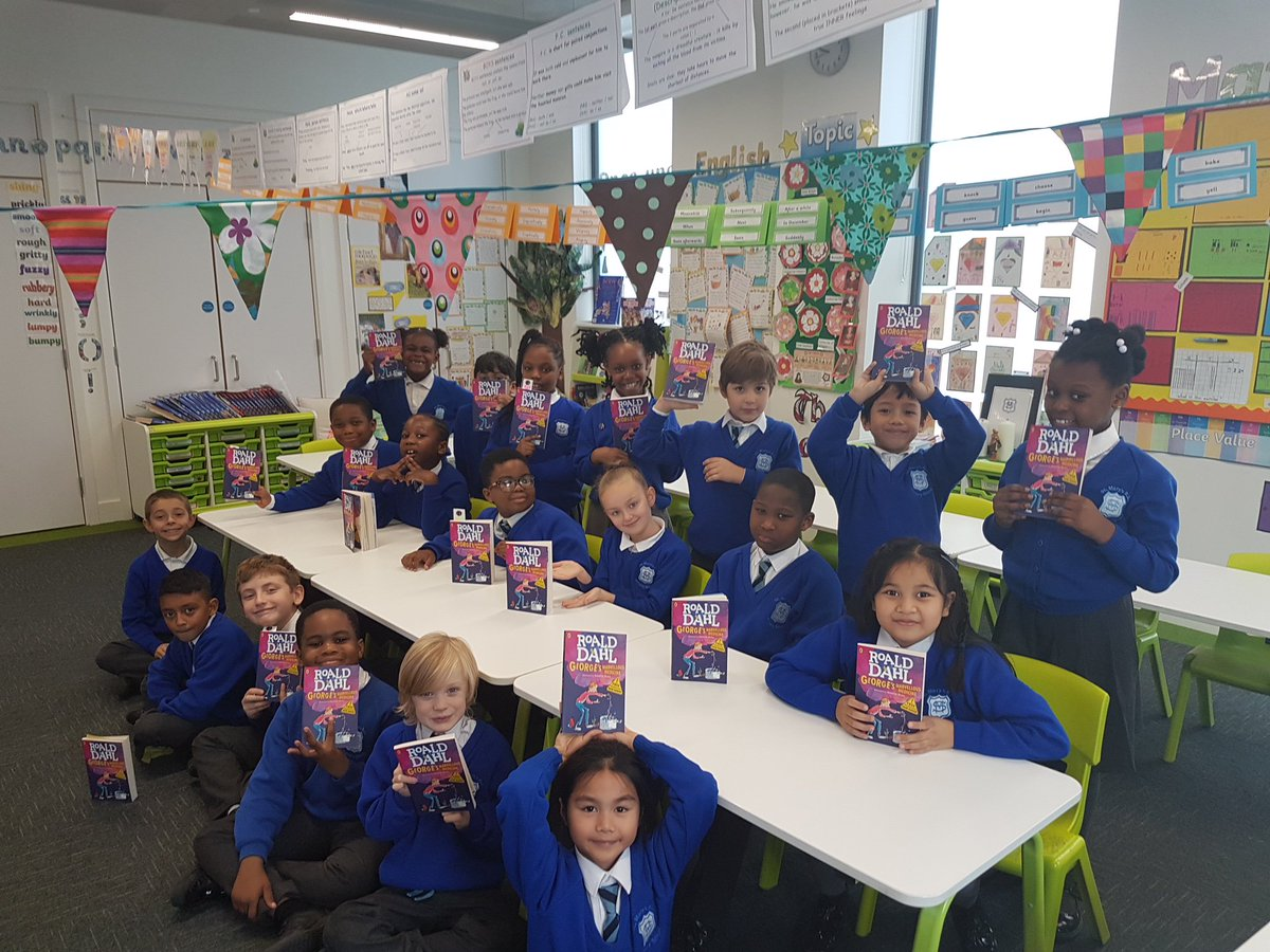 We can learn a lot from the wonderful Year 3 book clubbers @StMarys_SW8   about what it means to #ChooseRespect. #WorldKindnessDay #AntiBullyingWeek #bookclubbanter https://t.co/CONxikx3Am @SJBC_London @ABAonline  @roald_dahl  @RAKFoundation