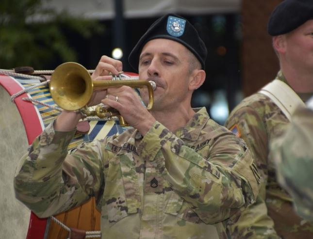 #Savannah's #VeteransDay parade honors vets with floats, marching bands, war dogs: https://t.co/BD5GZaOBlk