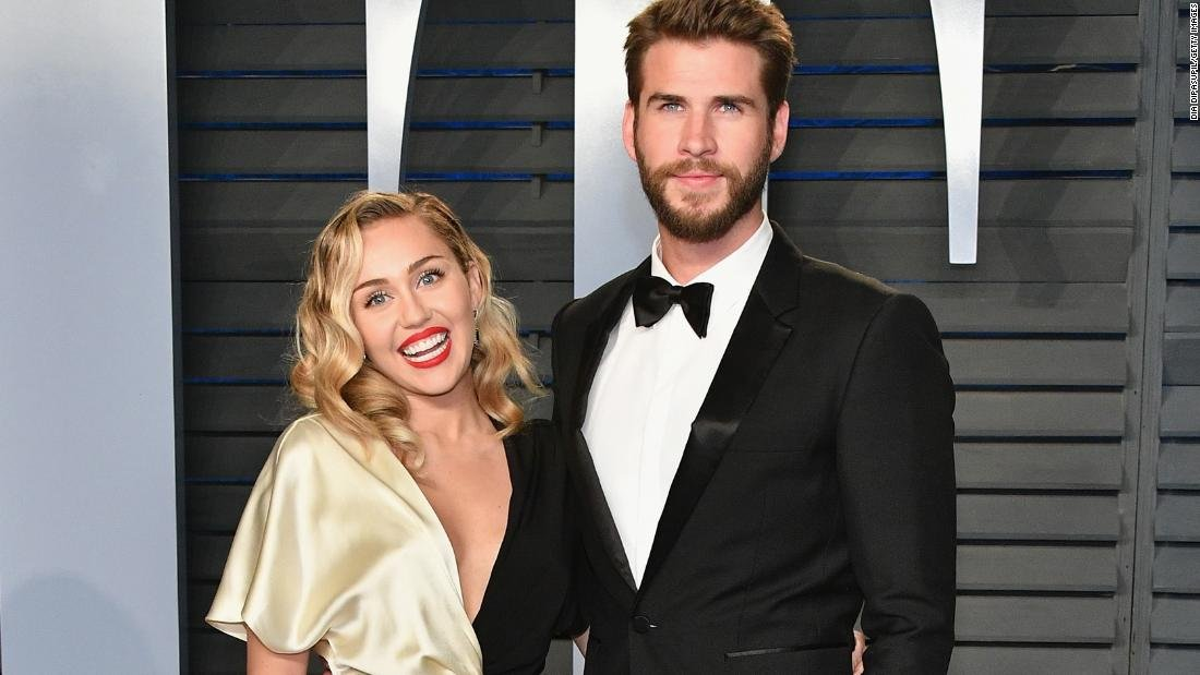 Miley Cyrus and Liam Hemsworth lost their home to a California wildfire, but the famous couple have donated $500,000 as they set their sights on rebuilding not just their house, but also their community https://t.co/ps5jTXjsdG