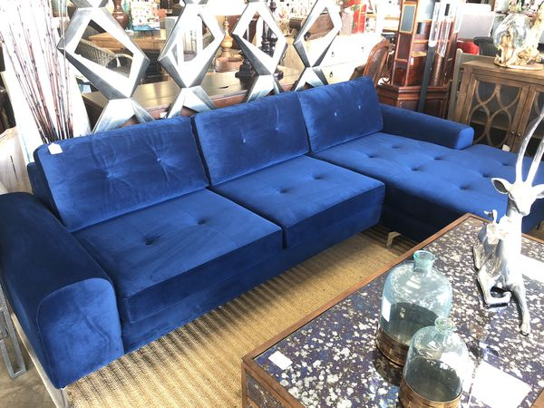 Located Off The 5 Fwy On Furniture Row Couch Color Orangecounty Consignment Consign Lagunahill Twitter Kwphhjg8tl