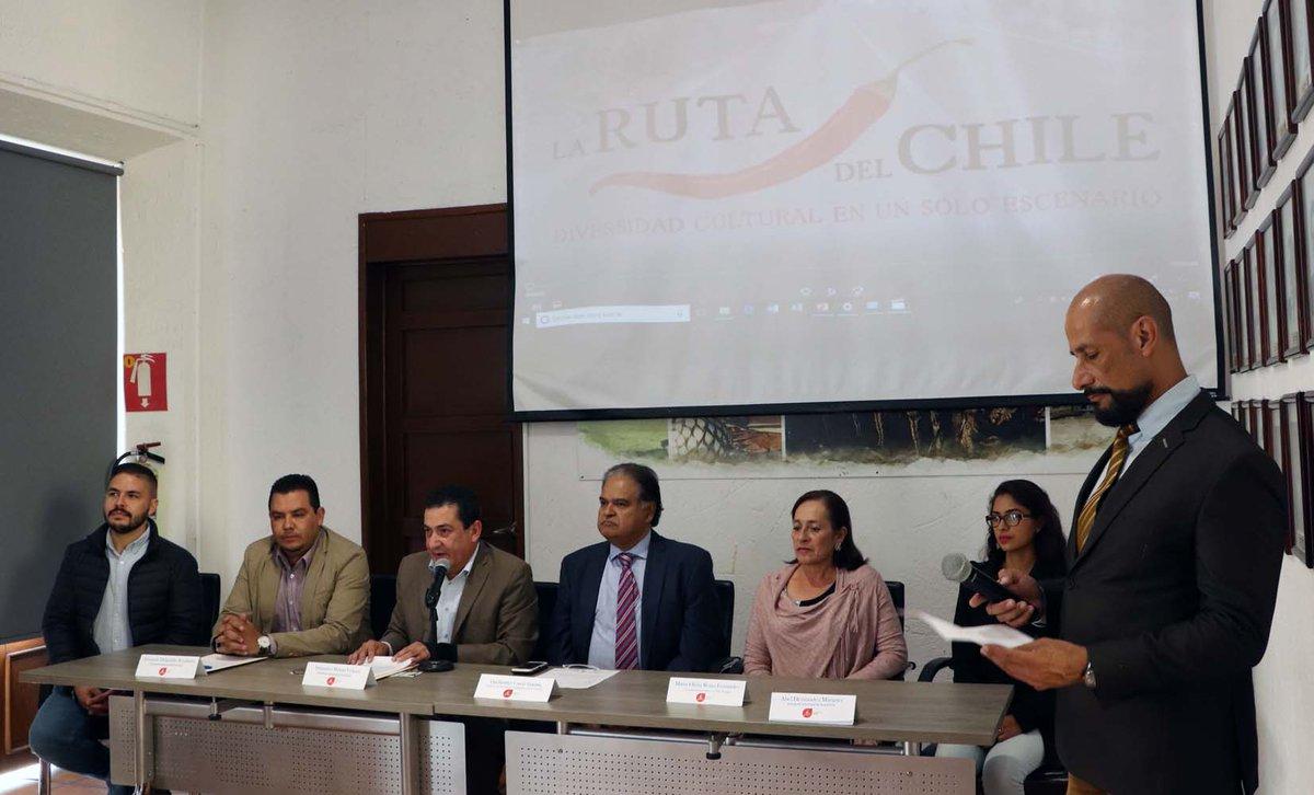 Hoy en rueda de prensa celebrada en la Secretaría de Turismo de Jalisco, se dio a conocer la creación de la Ruta Turística del Chile. ¡Nuestra región da sabor a México!