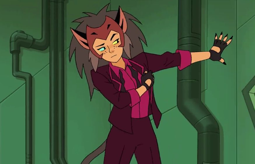 I KNEW WE WERE GETTUNG CATRA IN A SUIT BUT THE SECOND SHE SHOWED UP ON SCREEN I YELLED....... WHEW <br>http://pic.twitter.com/tNfSCQqYwp