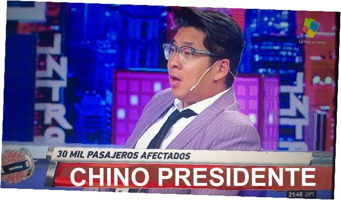 #MartesIntratable El Primer Chino presidente De la República Argentina. 😂 Foto
