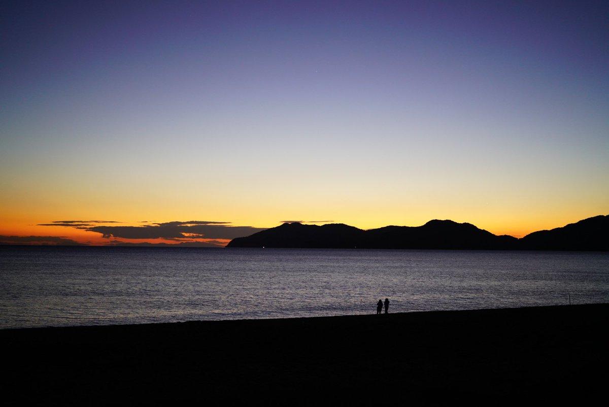 夜へ。  虹ケ浜海水浴場(山口県光市)  #イマソラ #ファインダー越しの私の世界  #写真好きな人と繋がりたい #写真で伝えたい私の世界 #キリトリセカイ  #photography #coregraphy https://t.co/ulfGJ3Lv92
