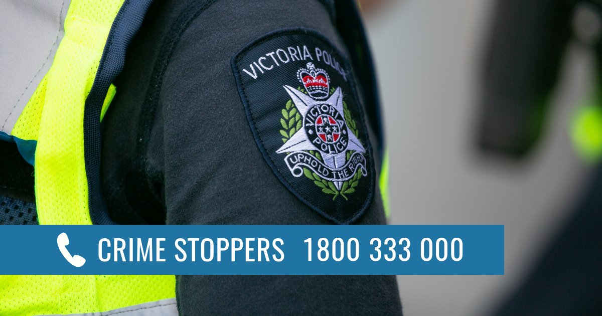 A 9-year-old girl was riding her bike to school along Skeeter Drive this morning when a man grabbed the handlebars of her bike. She escaped. Witnesses are urged to contact Crime Stoppers.  📲1800 333 000  🖥https://t.co/w7w2PKtz84 🗒https://t.co/tF7RuLTcSj