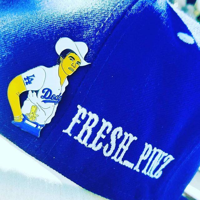 #Repost @fresh_pinz (@get_repost) ・・・ Few #chalino pins left #losangeles #dodgers #chalinosanchez #rey del #corrido #mexican #music #banda #norteñas #freshpins #freeshipping #enamelpin #monday #mondaymotivation #mondaymood #cowboy #stetson #quebuena … https://ift.tt/2OIoAmwpic.twitter.com/KIt3M9CHaV