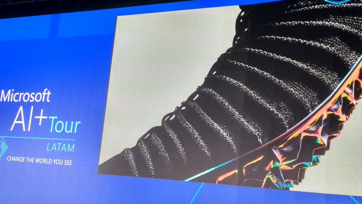 info for 97eea b2e68 La empresa  nike utiliza Inteligencia Artificial para mejorar experiencia  del cliente desde permitir personalizar el calzado, hasta generar alianzas  con ...