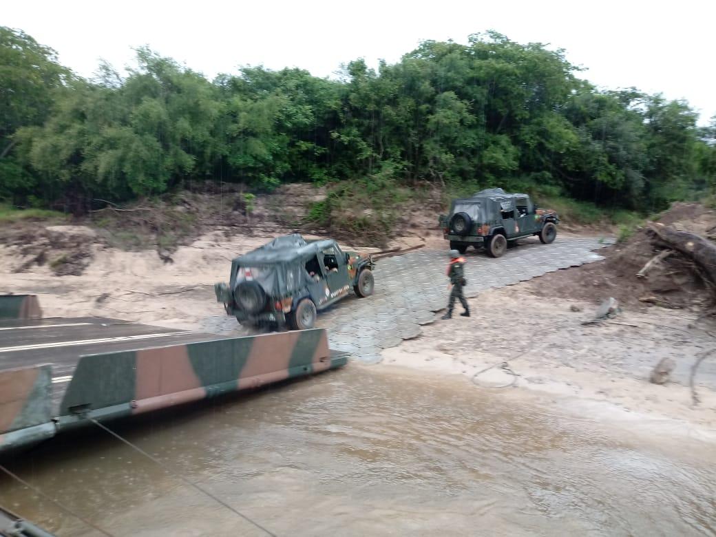 3º BECmb apoia a 6ª Bda Inf Bld, na Operação Punhos de Aço, no corte do rio Santa Maria, em Rosário do Sul-RS. Foram empregados diversos meios e pessoal especializado. É o braço firme da Engenharia de Combate, dando uma força para a Brigada mais potente do Exército Brasileiro.