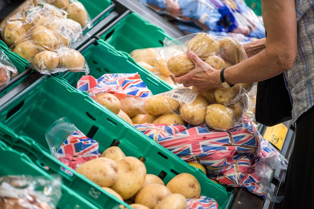 U.K. October inflation rate remains unchanged at 2.4 percent https://t.co/2vusSaeXvJ