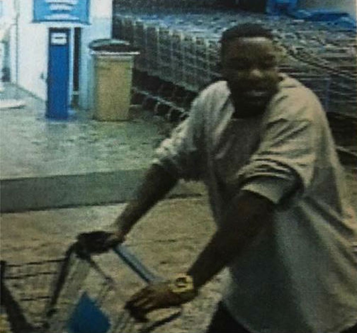 Southport police looking for suspect in Walmart thefts https://t.co/G9YrtBE6Qr