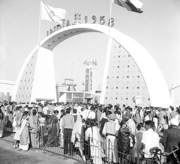 1958 :: PM Jawaharlal Nehru Organized  'India 1958'  Exhibition to Showcase India's Progress In Industrial Sector .  India 1958 Was Make In India Exhibition   ( Photo Division )