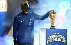 Malgré la pression de Chelsea, N'Golo Kanté a refusé de frauder le fisc après avoir créé une société offshore sur l'île de Jersey. Le Français voulait recevoir un salaire 'normal'. (@mediapart)