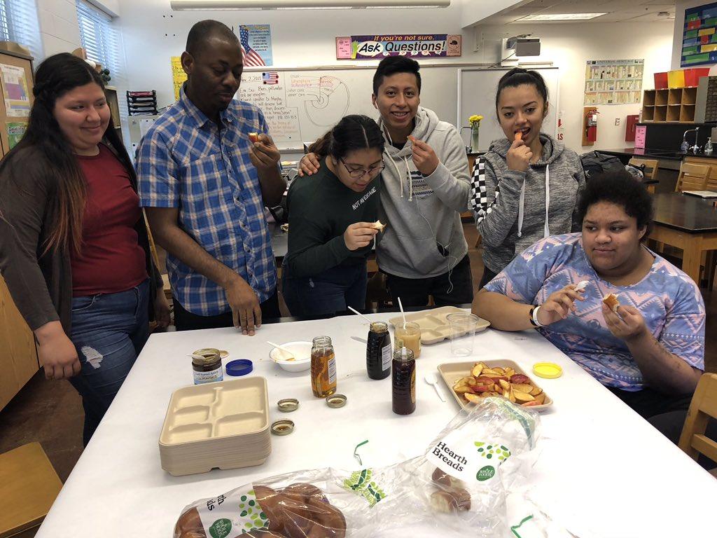 Students enjoying some honey <a target='_blank' href='https://t.co/yghpApwh3c'>https://t.co/yghpApwh3c</a>