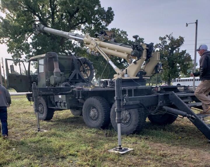 الجيش الامريكي يكشف عن مدفع Brutus الهاوتزر جديد عيار 155 ملم محمول على ظهر شاحنه  DrAPwJ4W4AIr10T