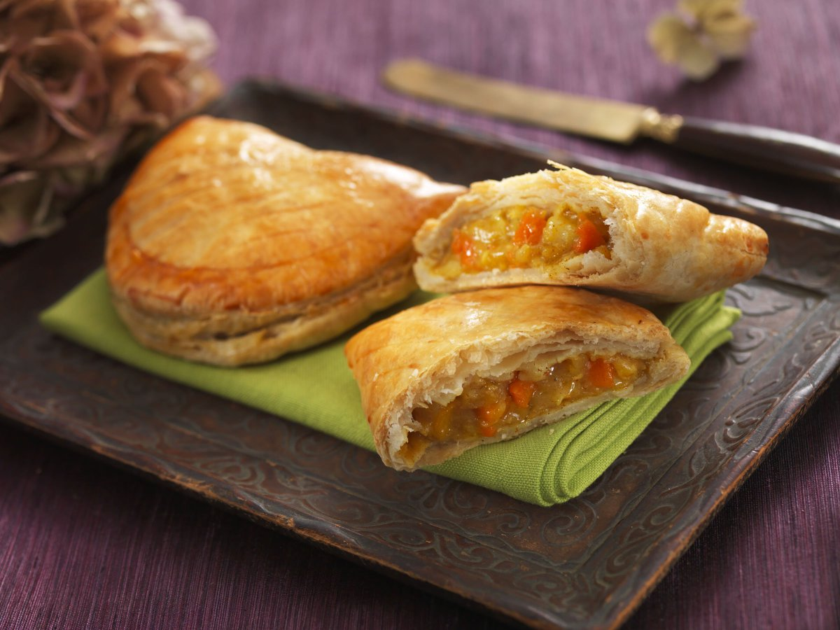 test Twitter Media - Curry Veg Pasty to kick off your Friday? #curry #veg #curryveg #pasties #pastry #pasty #swansea #foodie https://t.co/N8GDDdPDAg