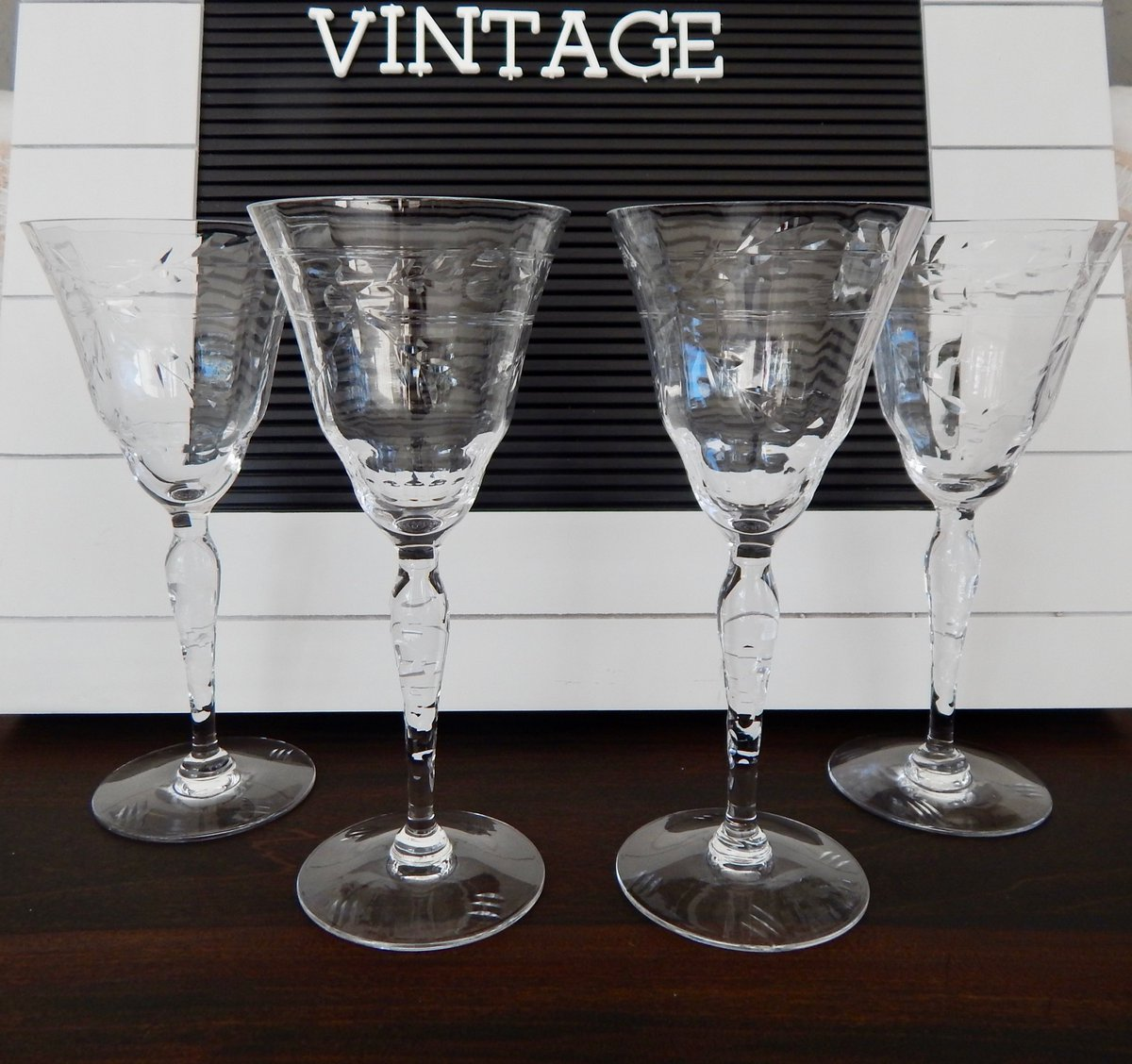 Mywarehouseofvintage On Twitter Excited To Share The Latest Addition To My Etsy Shop Vintage Etched Wine Glasses Set Of 4 Art Deco Lattice Etched Barware Wine Tasting Glasses Wedding Stemware Https T Co Ilkvxebx6u Housewares