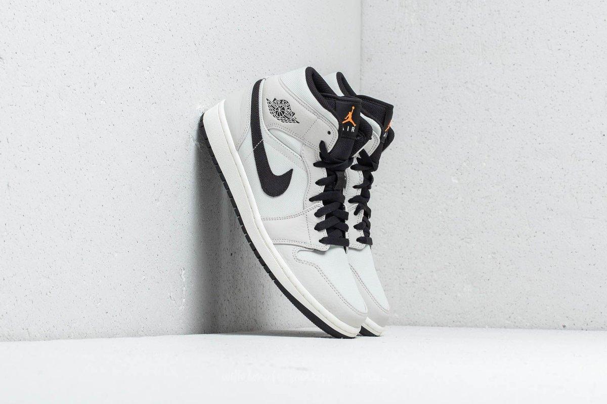 super popular d2962 ac1cb Sneaker Myth on Twitter