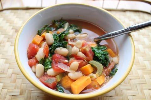 Cannellini Kale Soup #kale #soup | Vegan Plant Based Recipes | Bad to the Bowl https://t.co/BbyIudB5YQ https://t.co/WNvgsLhp9w