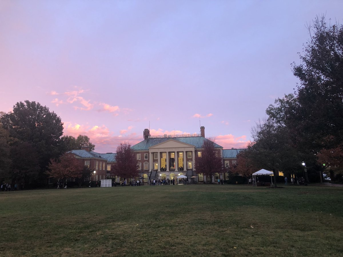 And just like that, the clouds have parted and we are treated to a beautiful #WFUHC #GoldenHour. 🎩💕