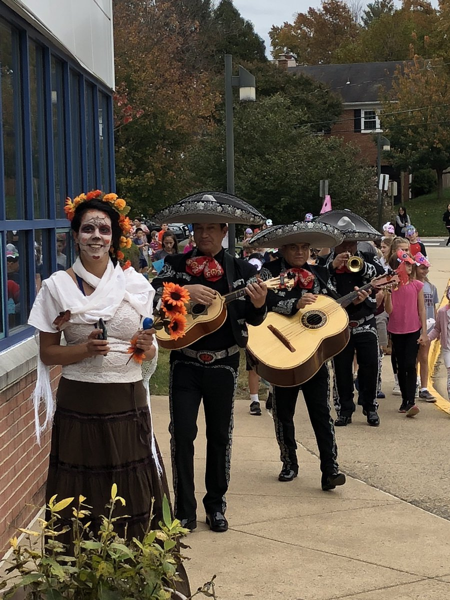 More photos from our Day of the Dead celebration 💀. <a target='_blank' href='http://twitter.com/FLESteacher'>@FLESteacher</a> <a target='_blank' href='http://twitter.com/McCarthyM_JES'>@McCarthyM_JES</a> <a target='_blank' href='http://twitter.com/Annie_Vincen'>@Annie_Vincen</a> <a target='_blank' href='https://t.co/6urKfyqLhY'>https://t.co/6urKfyqLhY</a>