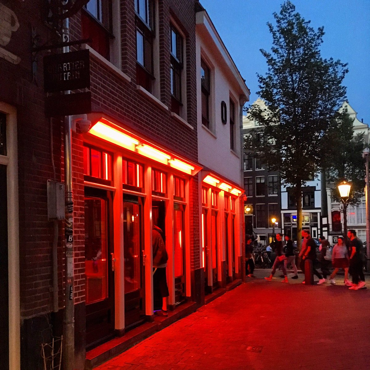 Red light district — pic 14