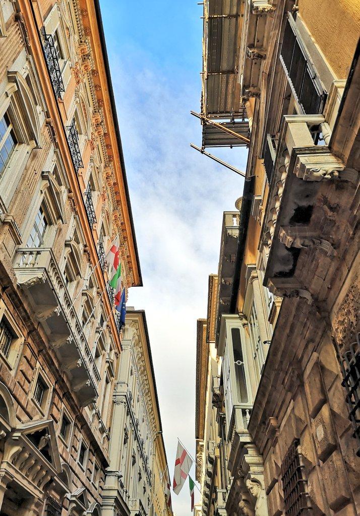 Via Garibaldi, Genova via @Millazena #travel #genova #italy #beautyfromitaly https://t.co/7dzRuABSjZ
