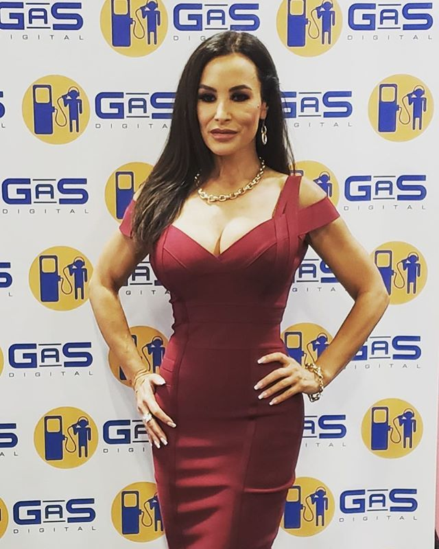 Thereallisaann Doing A Live Podcast 3x_expo With The Lovely Nicolette_shea Lisaann Exxxotica Podcast Brazzersgirls Https Ift Tt 2p7wcui