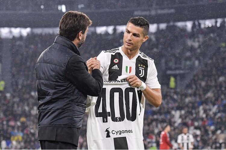 Stima, affetto, vittoria! Grande Juve! #finoallafine https://t.co/jJx4lB6IcJ