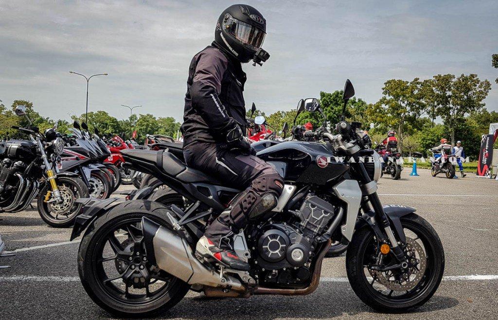 Iwanbanaran On Twitter Gantengnya Honda Cb1000r Neo Sport Cafe