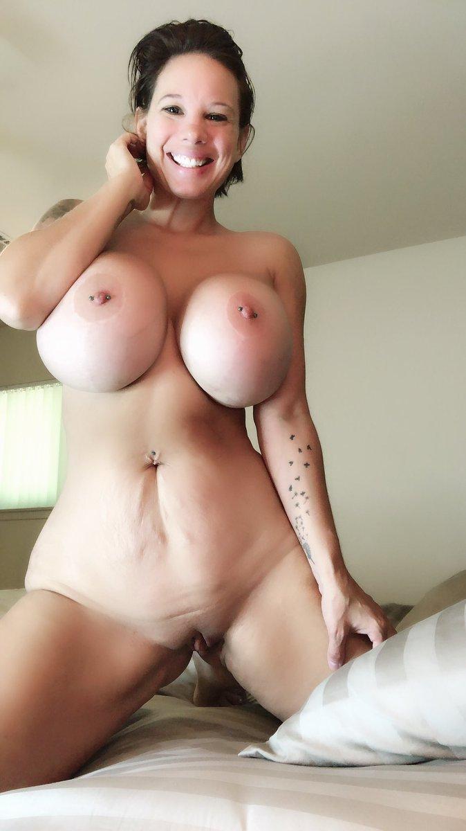 Elizabeth pipko tits