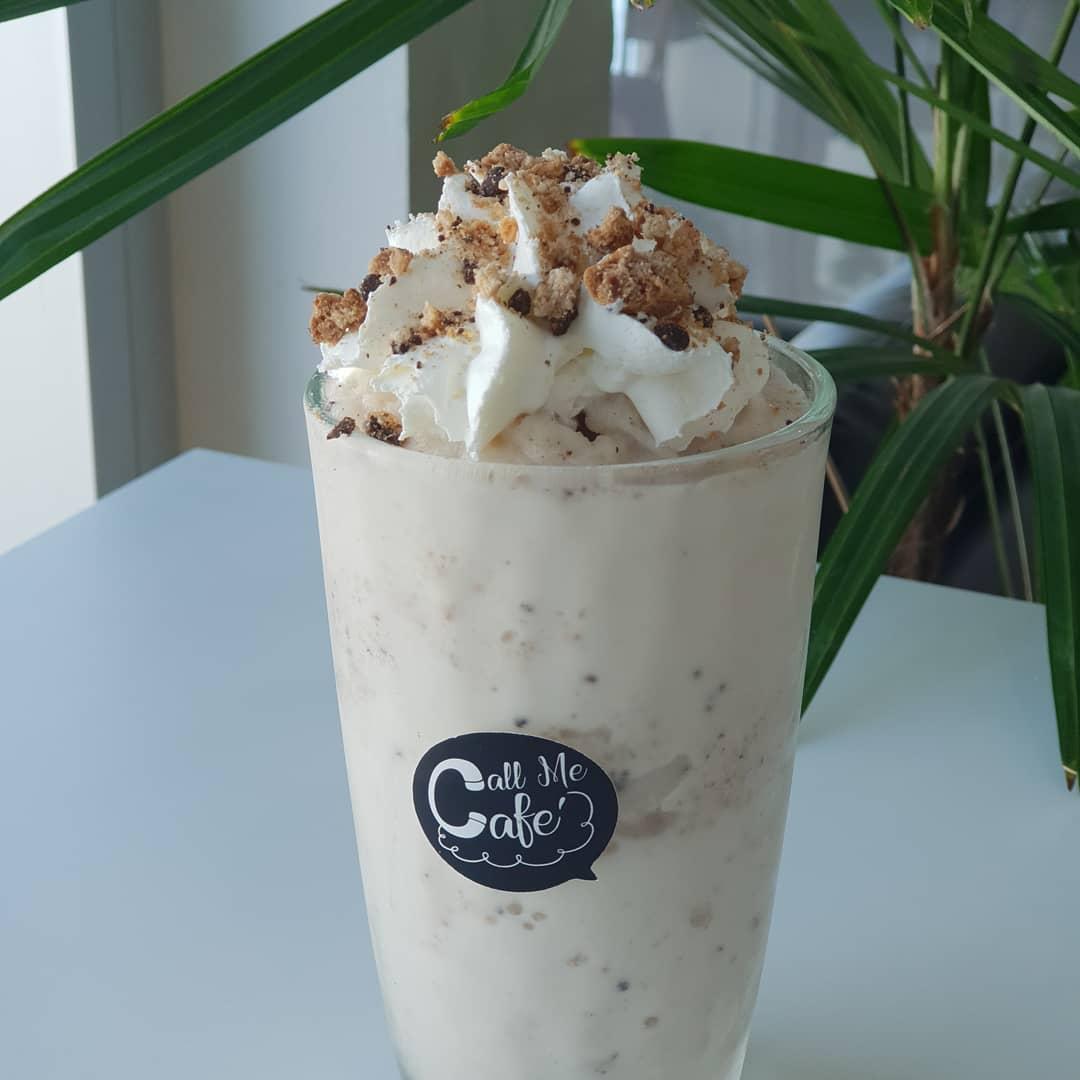 Cookie monster shake คุกกี้เชคสูตรพิเศษ โรยด้วย cookie crumb กรุบๆ   ชั้น2 ตึกเทเลวิซหน้าทุ่งศรีเมือง  เปิดทุกวัน 8.30-17.30  #callmecafe #cafeudonthani #reviewudon #reviewesan #aroi #cafehop #thaitea #รีวิวอุดร #bubbletea #udonthani #cafeinudonthani #wongnaiudonthanipic.twitter.com/7FcjfYSbLc