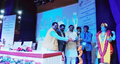 Naik for using modern technologies to promote Ayurveda