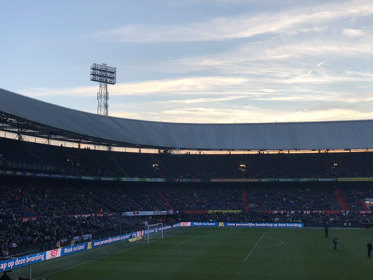 Feyenoord Kersttrui.Mister Bifoekene Twitter