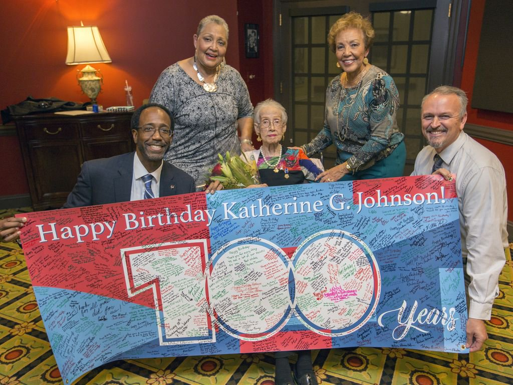 A Banner Was Created To Serve As Giant Birthday Card For The NASA Icon It Later Delivered Johnson Whos Pictured Alongside Her Daughters And
