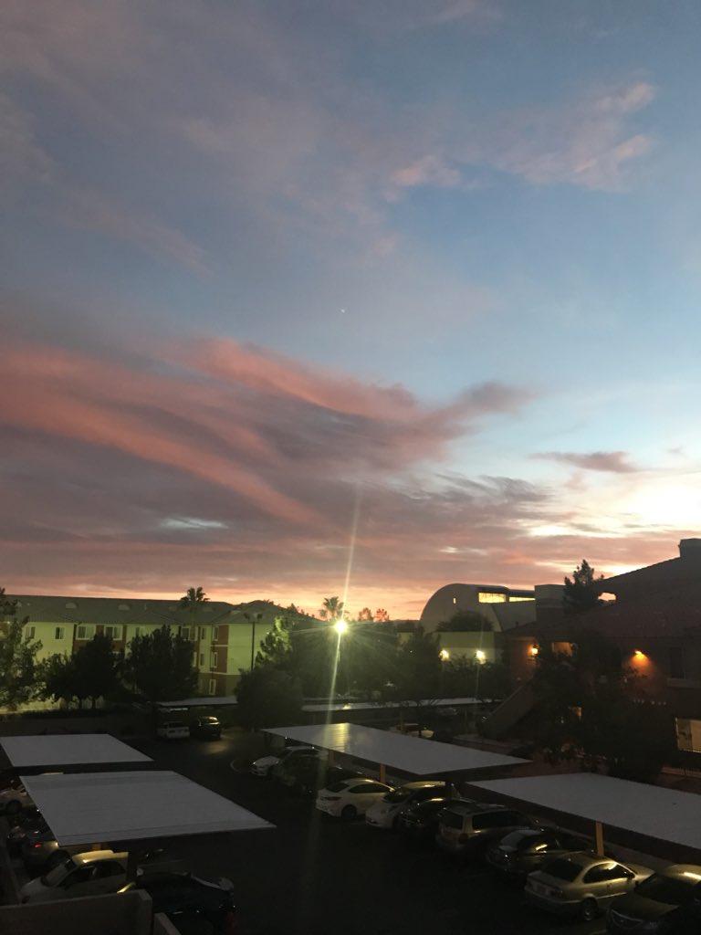 Enjoying this Nevada sunset (an hour early) tonight #nvwx #DaylightSavingTime