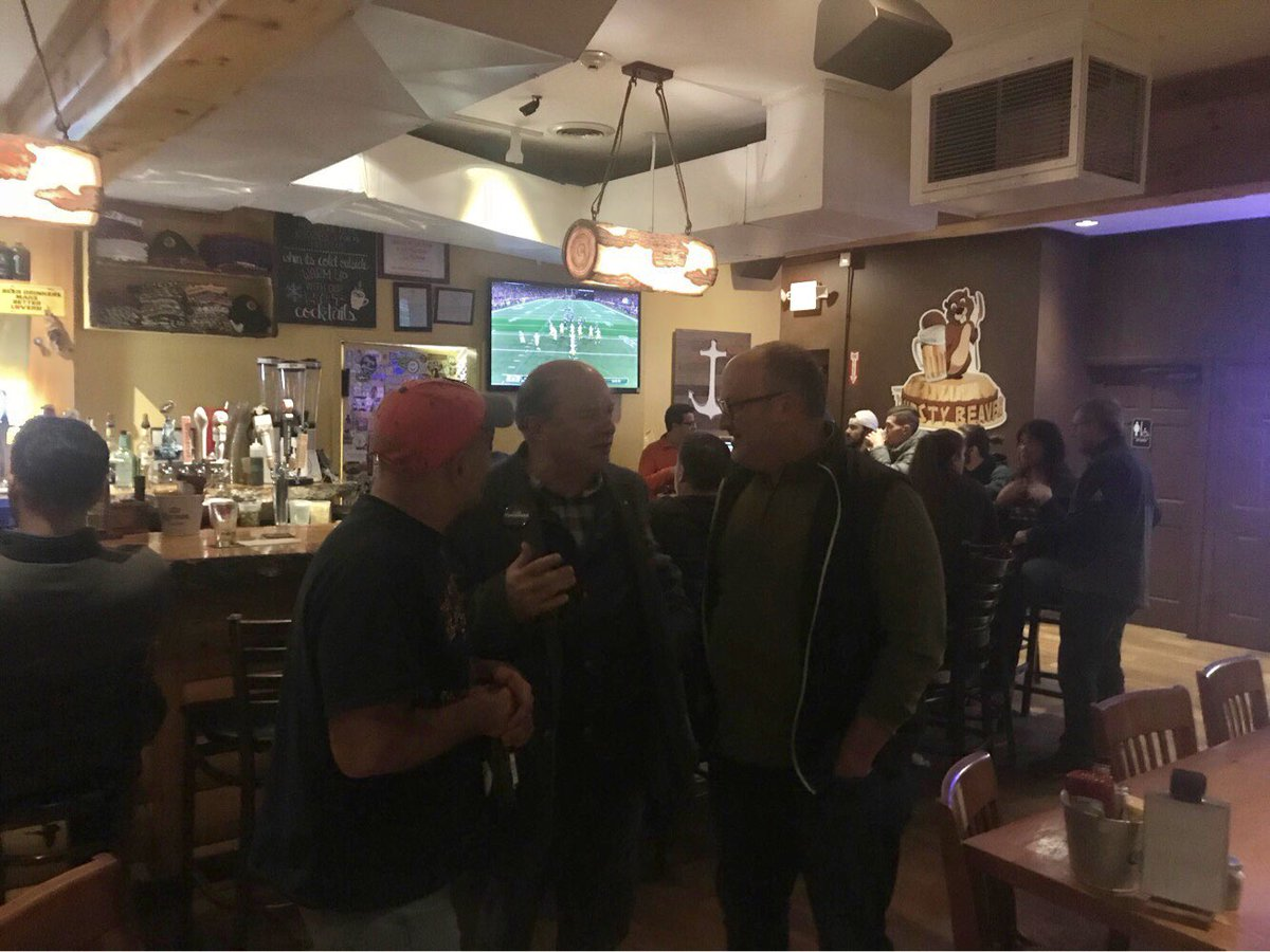 After a long day of campaigning, meeting voters and watching the game at the Thirsty Beaver in Cranston https://t.co/hxfwLq4ZU2