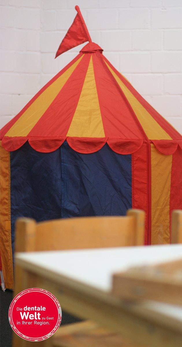 Tolles Angebot für die kleinen Besucher: Spiel und Spaß während der Messe in unserem Kinderland. Alle Infos gibt's hier: https://t.co/KHjAGich4X #infotagedental #frankfurt https://t.co/CM7SvEqkKX