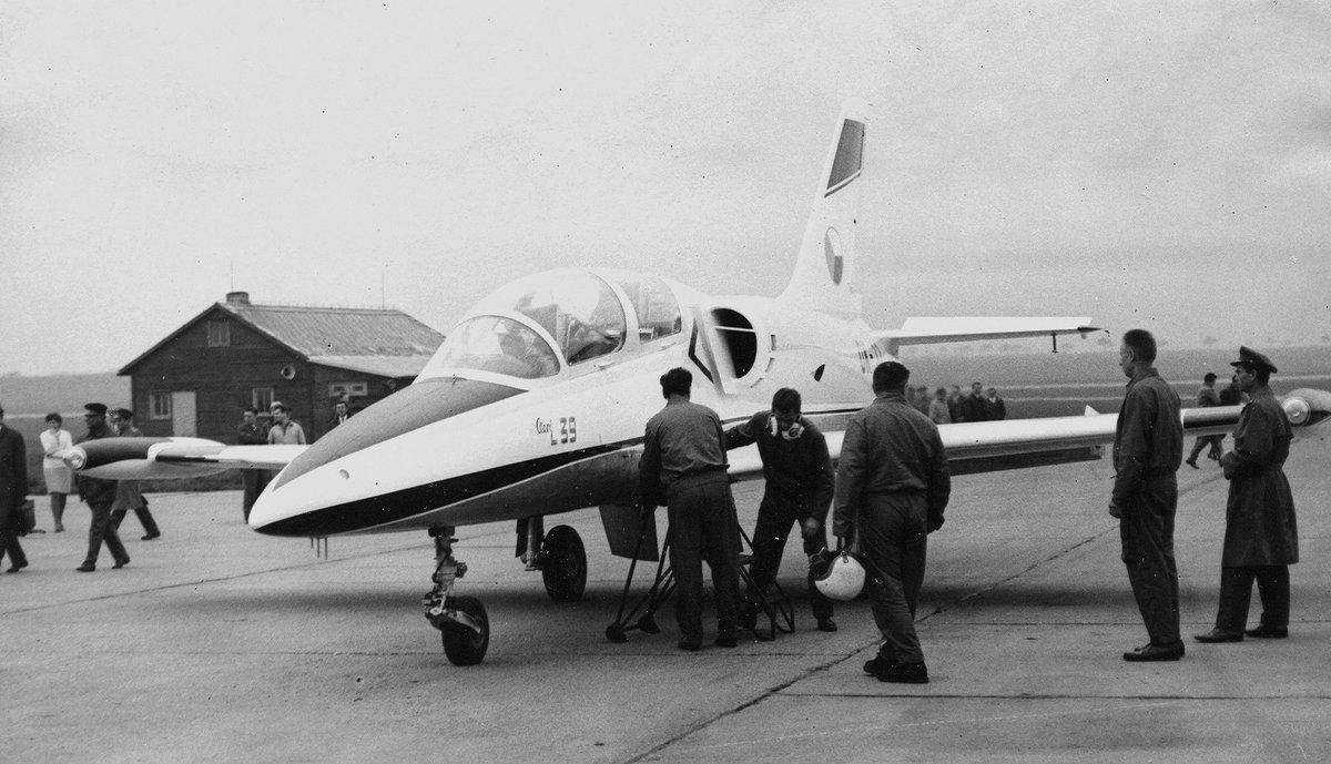 المسابقه الرمضانيه: الطائره Aero L-39 Albatros الخفيفه  DrOqwMeXcAAz7of