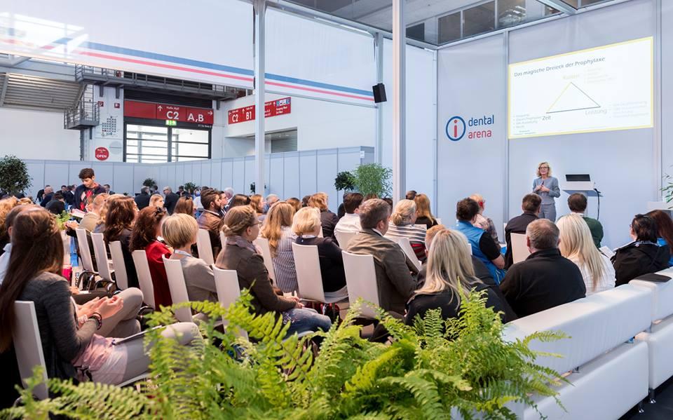 In der dental arena auf den #infotagedental in #frankfurt Fortbildungspunkte sammeln. Sechs Experten freuen sich auf Sie 😉 https://t.co/mo5pLCBuqH #ichbinsodental https://t.co/asGbwZcc1V