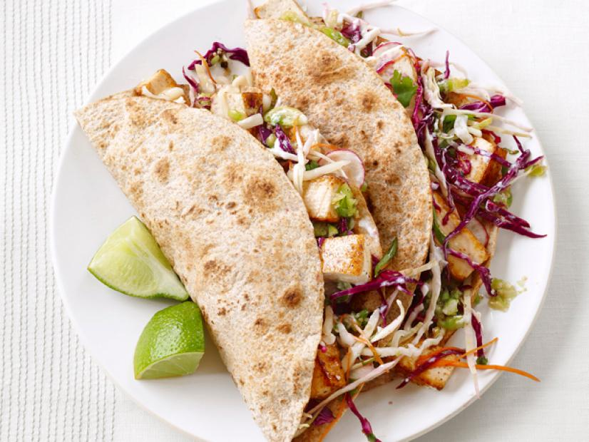 How about some tofu tacos for #meatlessmonday using our local #clevelandtofu? https://t.co/gaJEnLMzsJ https://t.co/YRwfOOIQ56