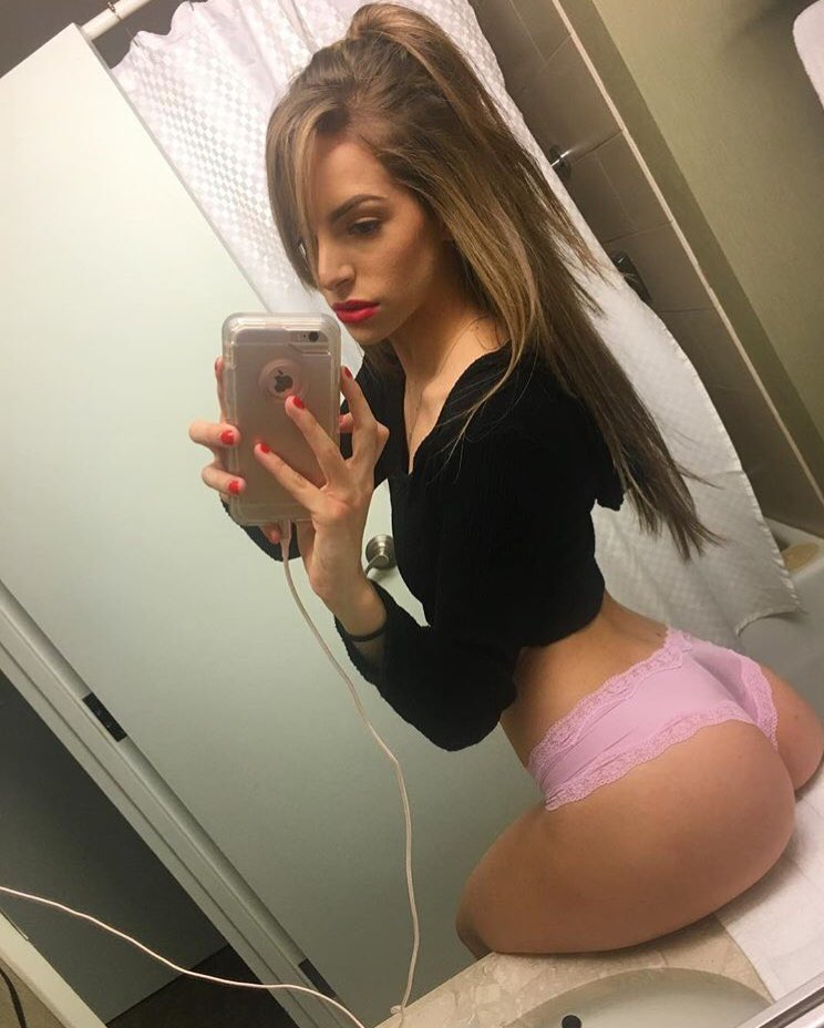 Sexiest mirror pictures on the web