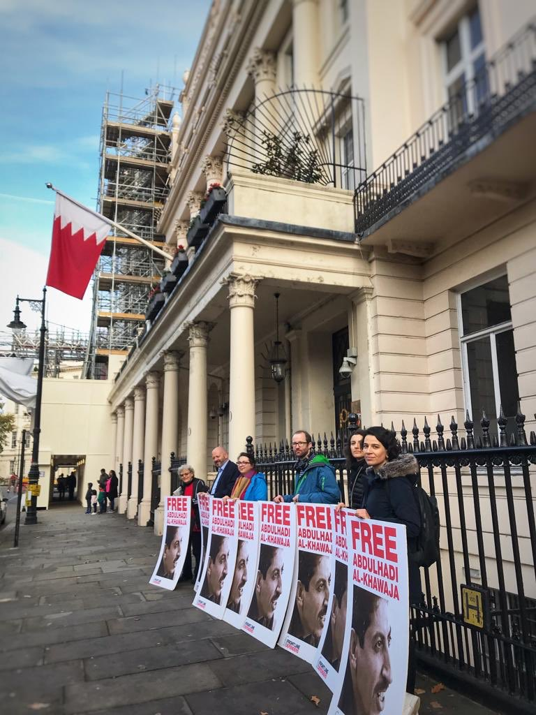 Protesters in London speak out against the unjust detention of Abdulhadi Al-Khawaja. In 2011, he was sentenced to life in prison for helping to organize the peaceful Pearl Uprising in #Bahrain. Learn more about him here and join the call to #SetThemFree: https://t.co/cAp5PhNGJv