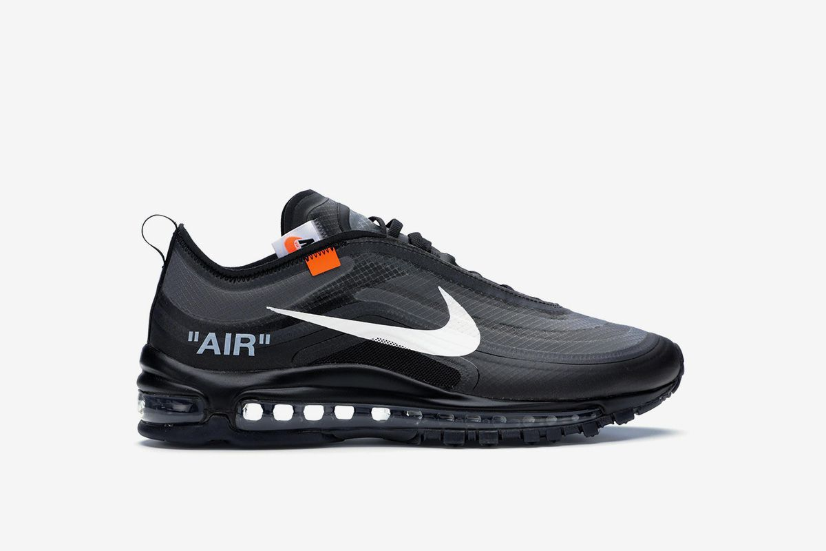 best website a44d3 d0471 Our favorite all-black Nike sneakers that you can cop right now   http   s.hsnob.co AZMFwbH pic.twitter.com LNPKVzkOsH